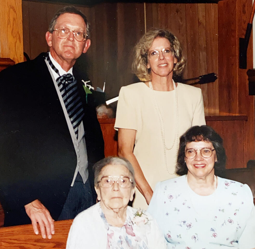 Ellen with her mother and siblings
